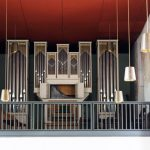 Blick zurück vom Altar zur Orgel